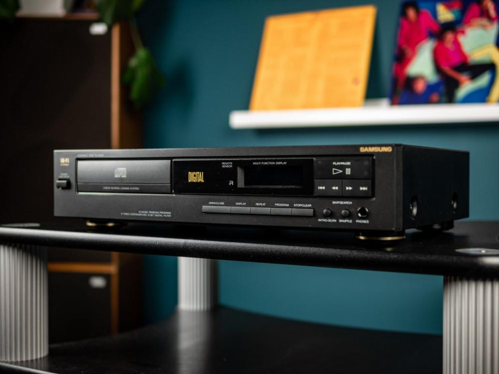 Begagnad Samsung CD-44R